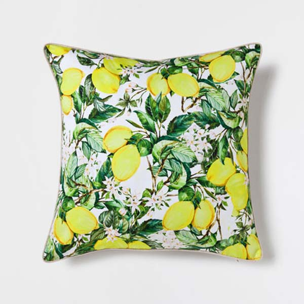 cojin-con-print-natural-zara-home
