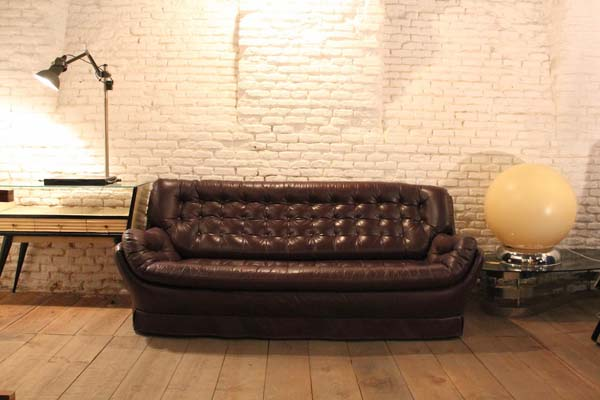 vintage-sofa-capitone