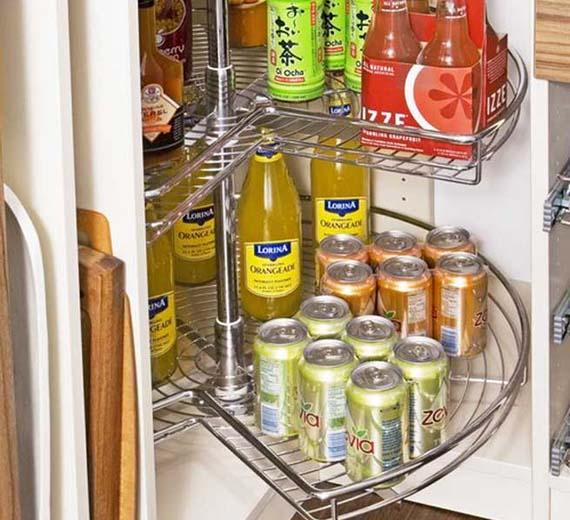 muebles-en-carrusel-para-ahorrar-espacio-en-la-cocina