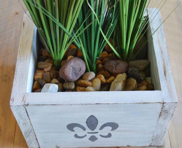 jardinera-decorativa-con-piedras