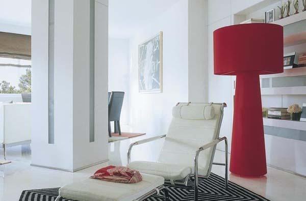 columna-con-revestimientos-y-luz-led