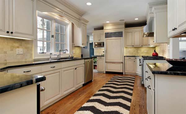 decorar-la-cocina-con-alfombras